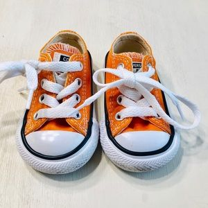 Toddler converse size 2